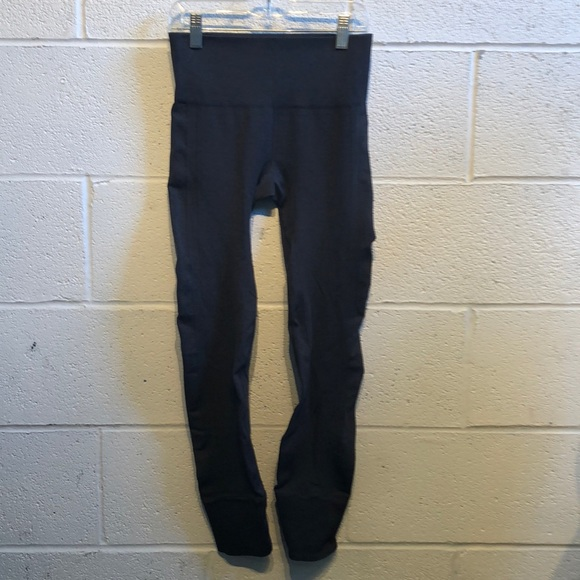 lululemon athletica Pants - Lululemon gray Ebb to Street pant sz 4 59970